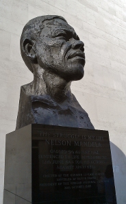 Mandela_Bust_at_Southbank